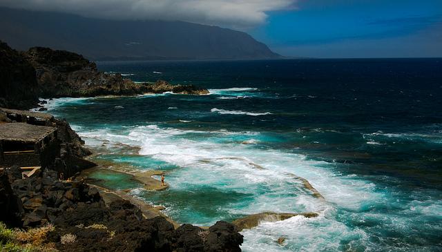 Vista de la piscina de la Maceta en la isla del Hierro (Islas Canarias)