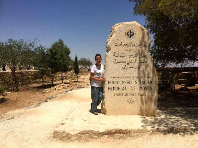 Entrada al Mount Nebo. Memorial a Moisés.