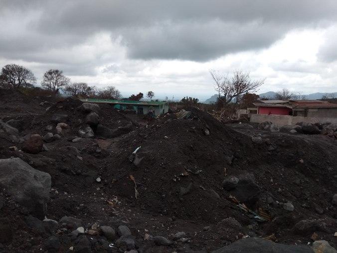 El Volcán de Fuego sepultó el pueblo.