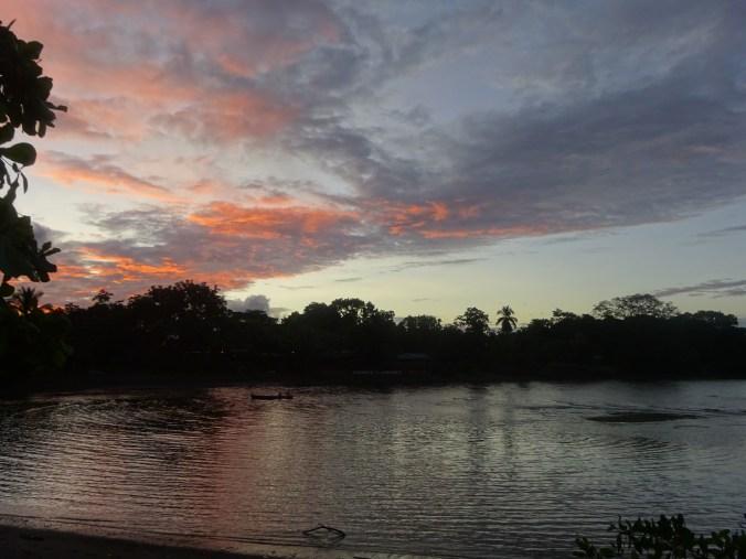 Atardecer en Puerto Jiménez. Costa Rica.