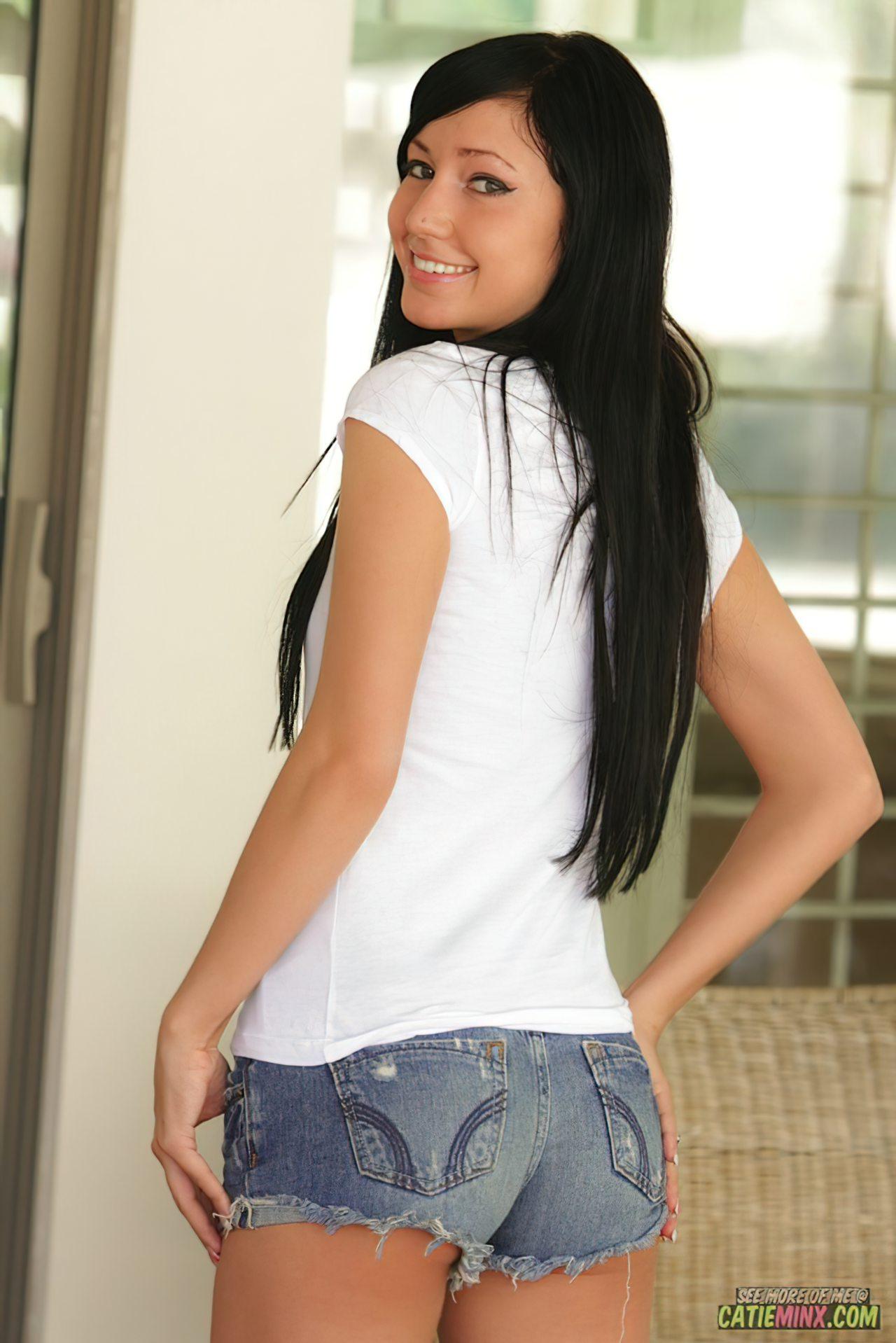 Catie Minx (45)