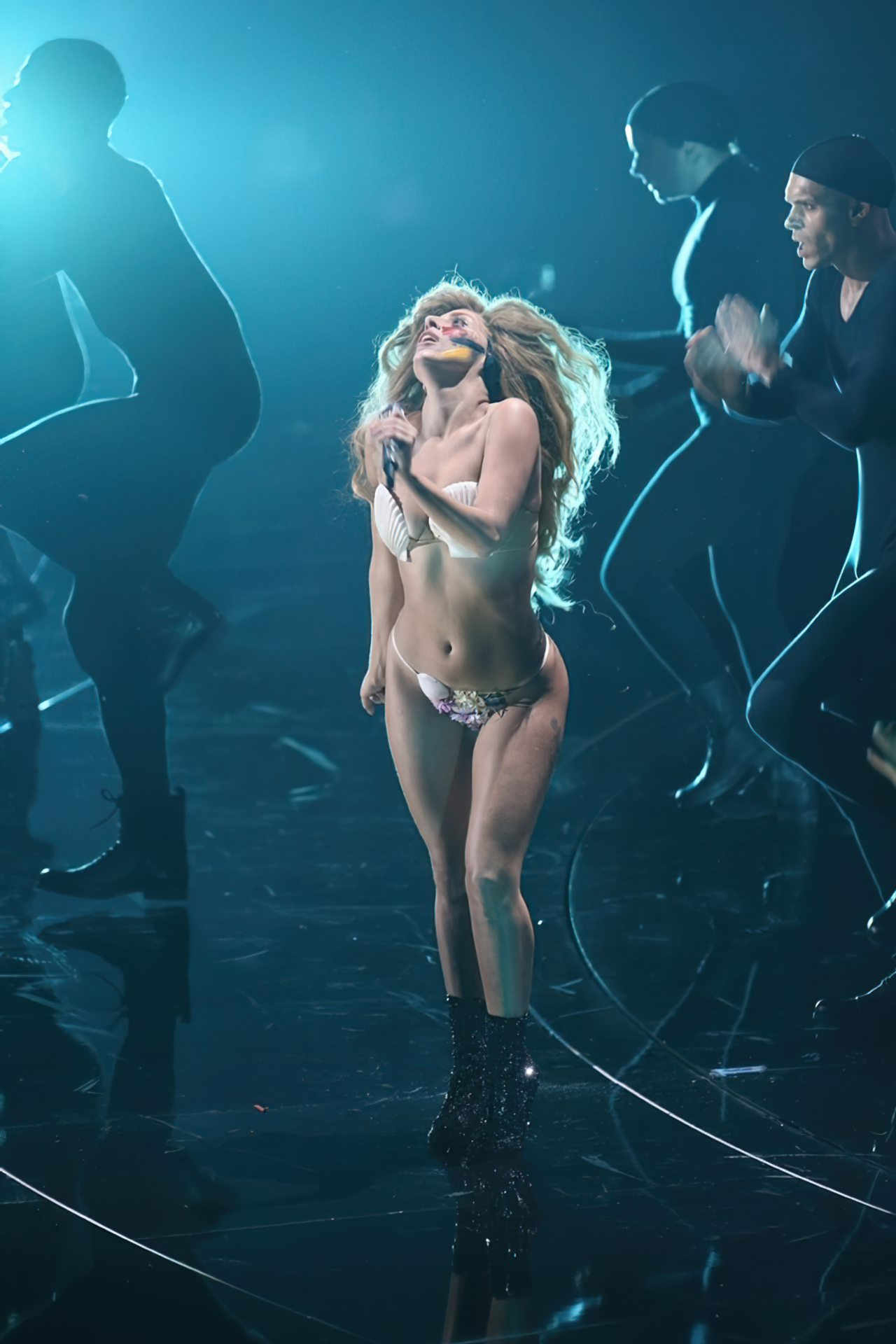 Lady Gaga Biquini (9)