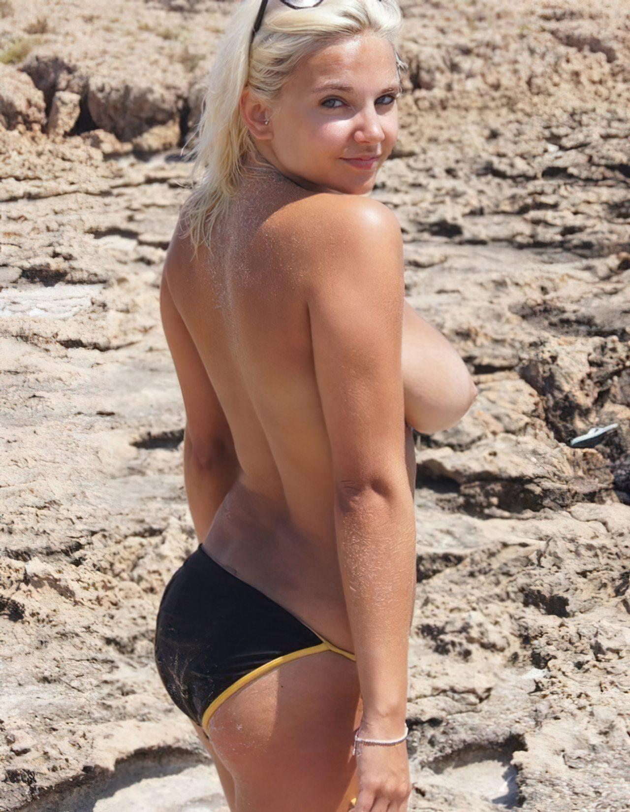 Topless na Praia (5)