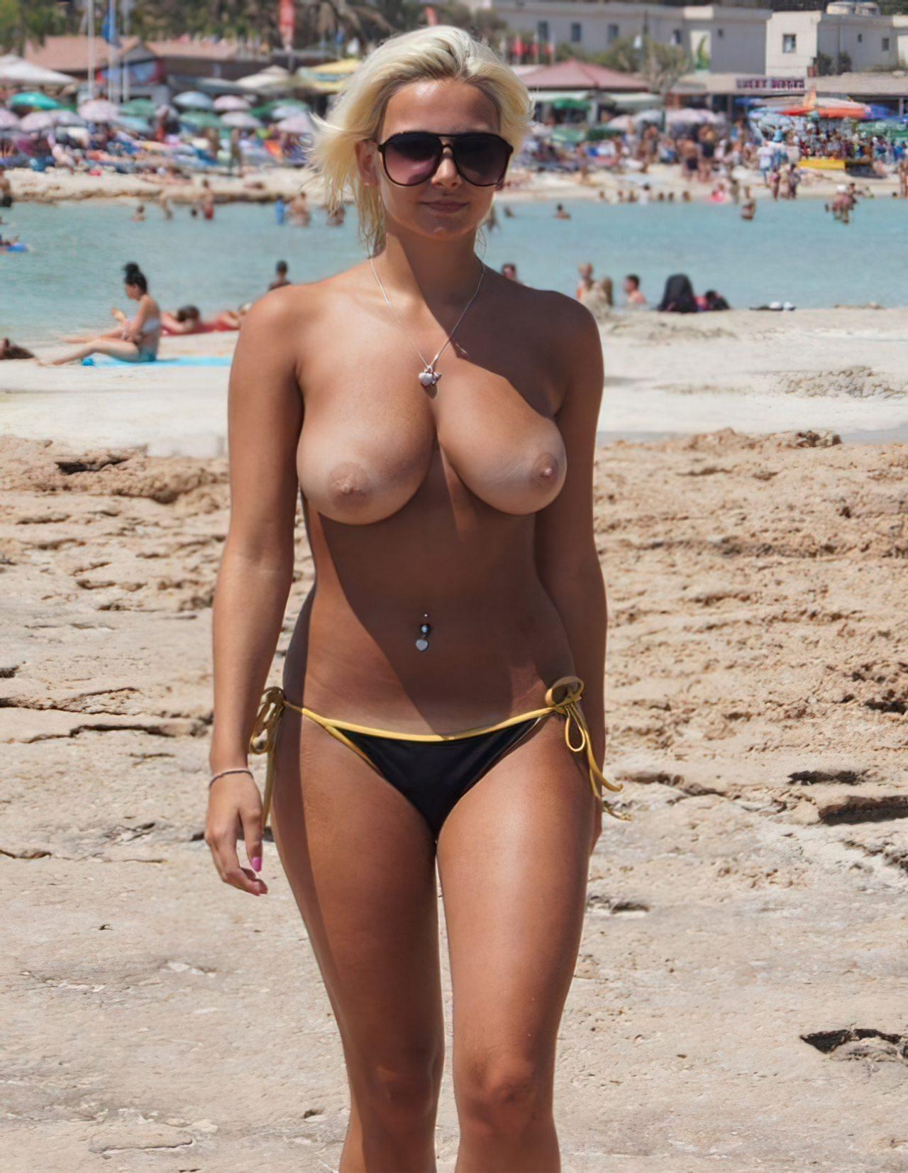 Topless na Praia (8)