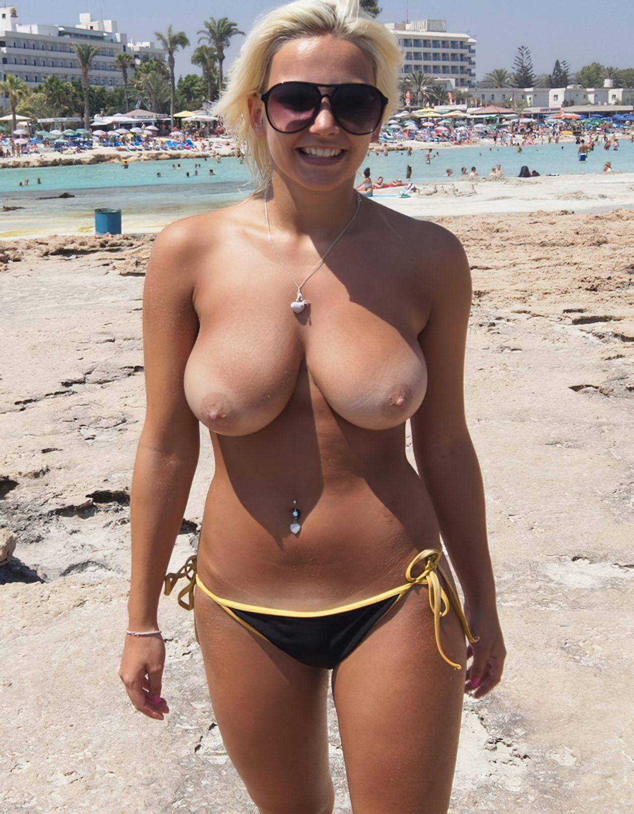 Topless na Praia (9)