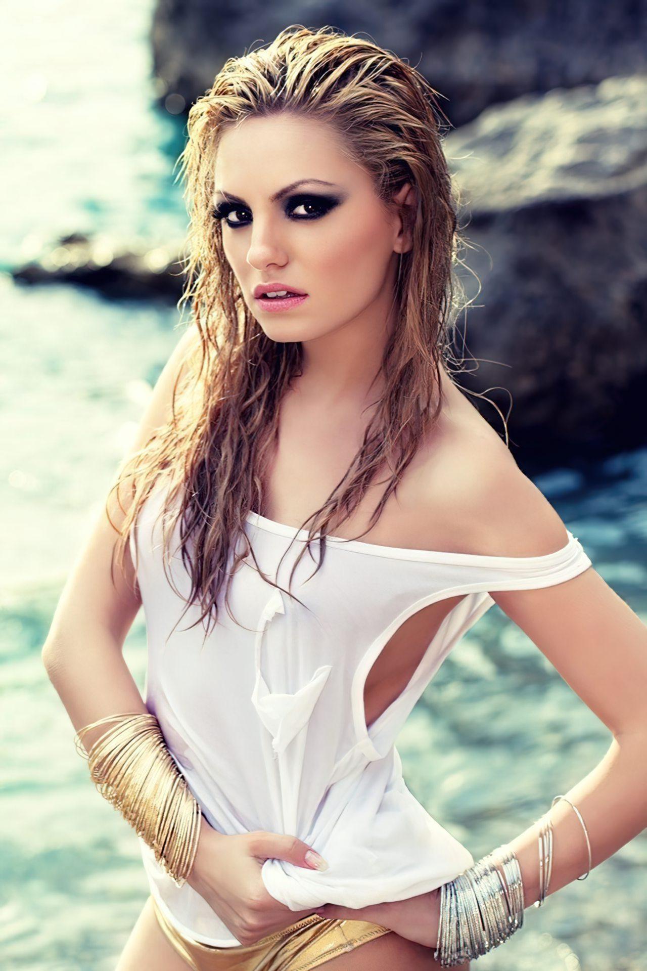 Alexandra Stan (3)