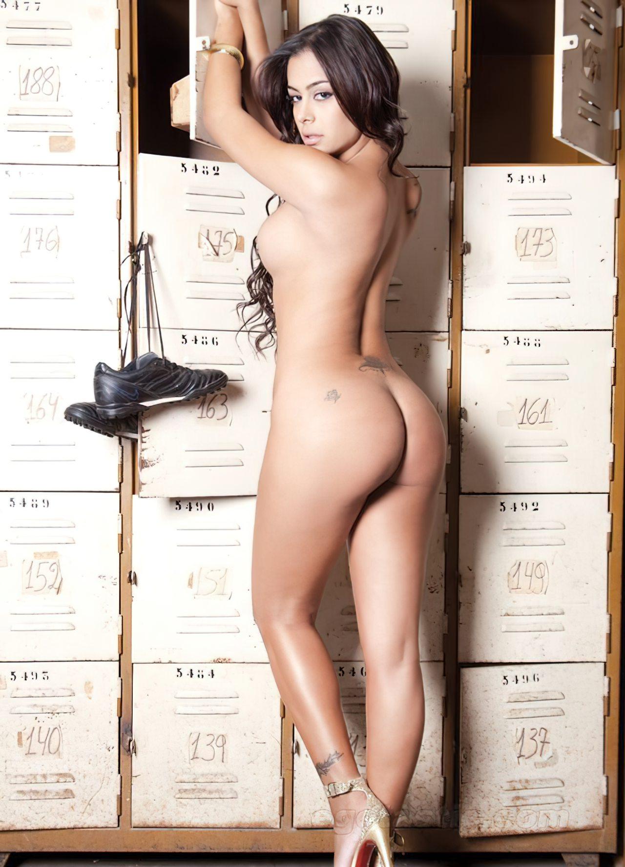 Larissa Riquelme Nua (22)