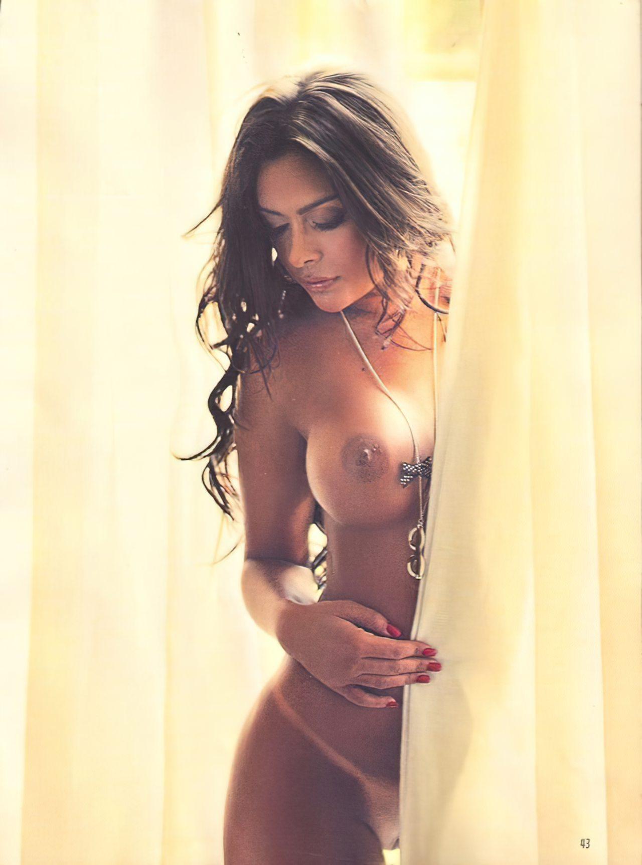 Larissa Riquelme Nua (52)