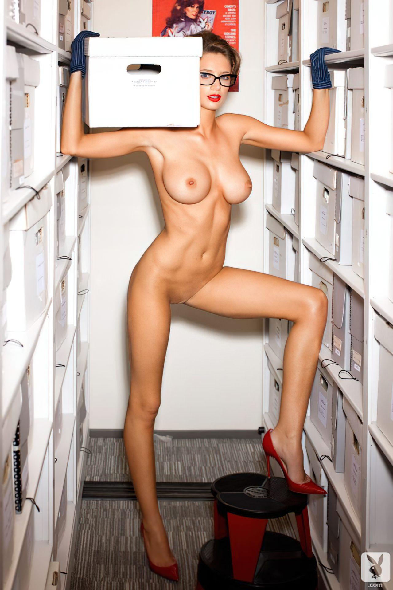 Emily Agnes na Playboy (1)