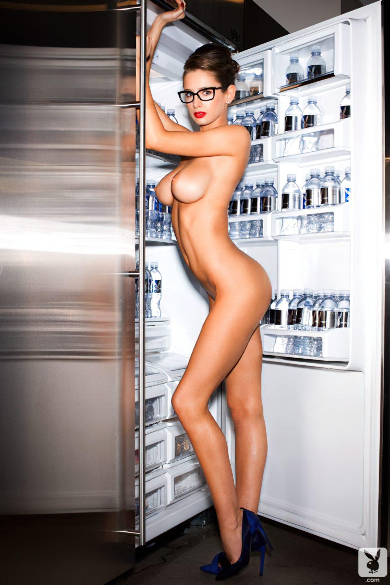 Emily Agnes na Playboy (11)