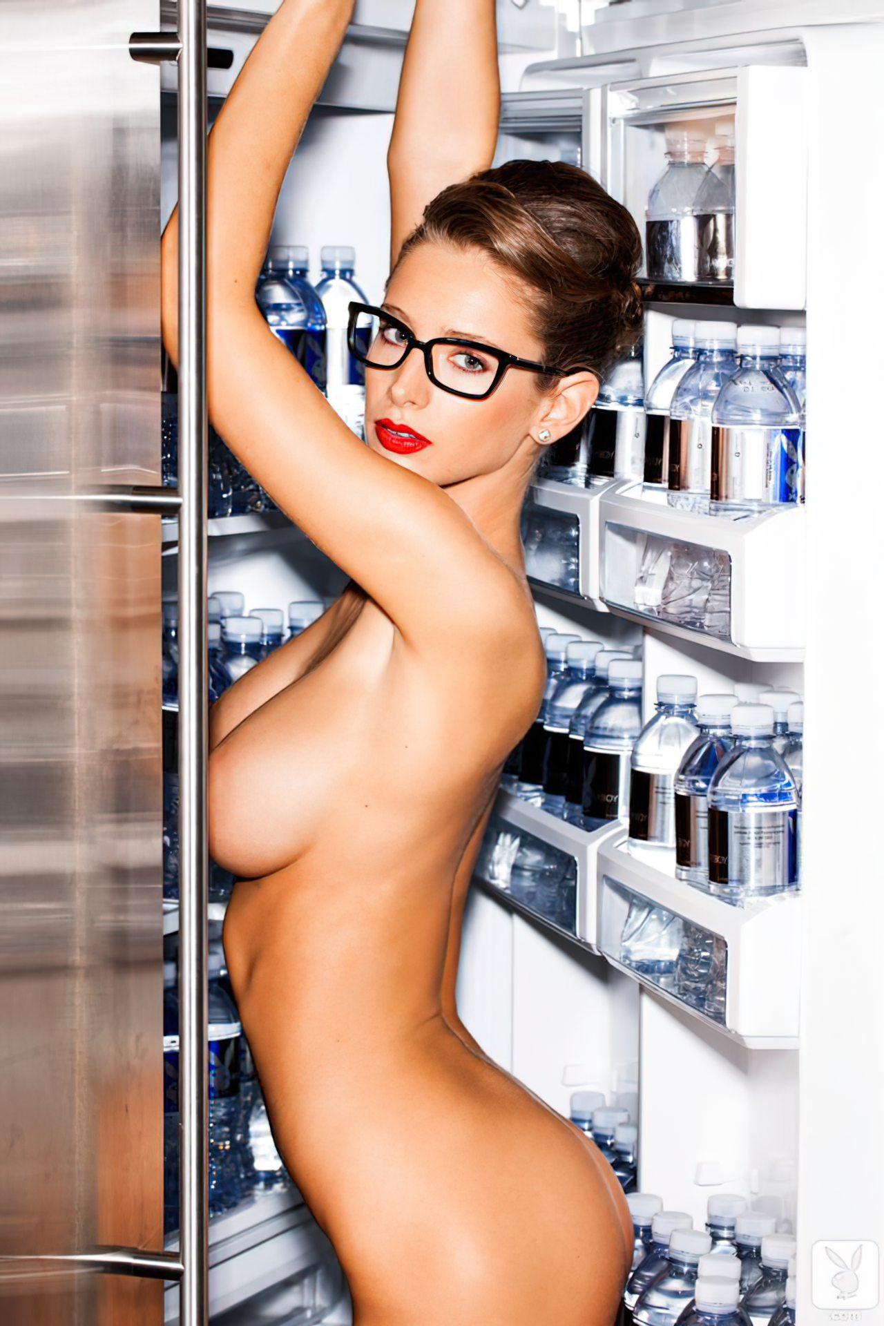 Emily Agnes na Playboy (14)