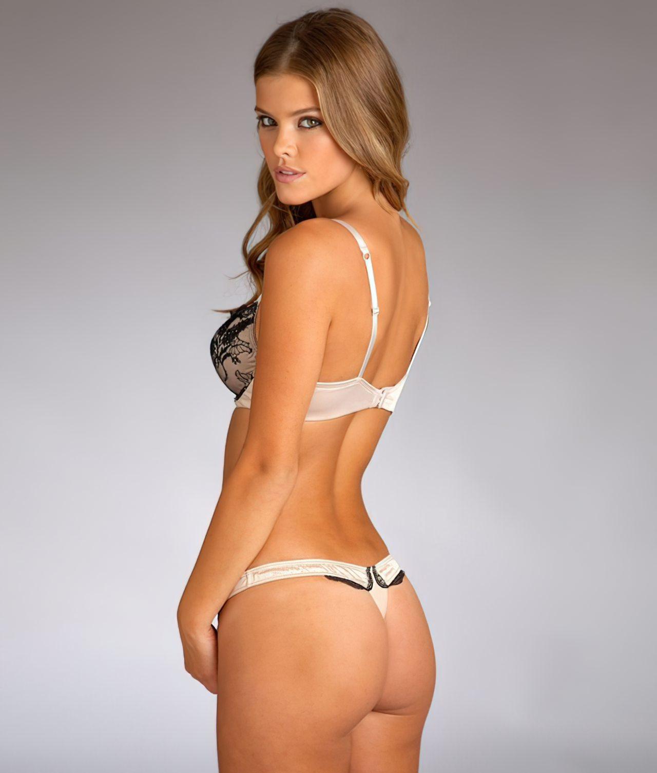 Nina Agdal (30)