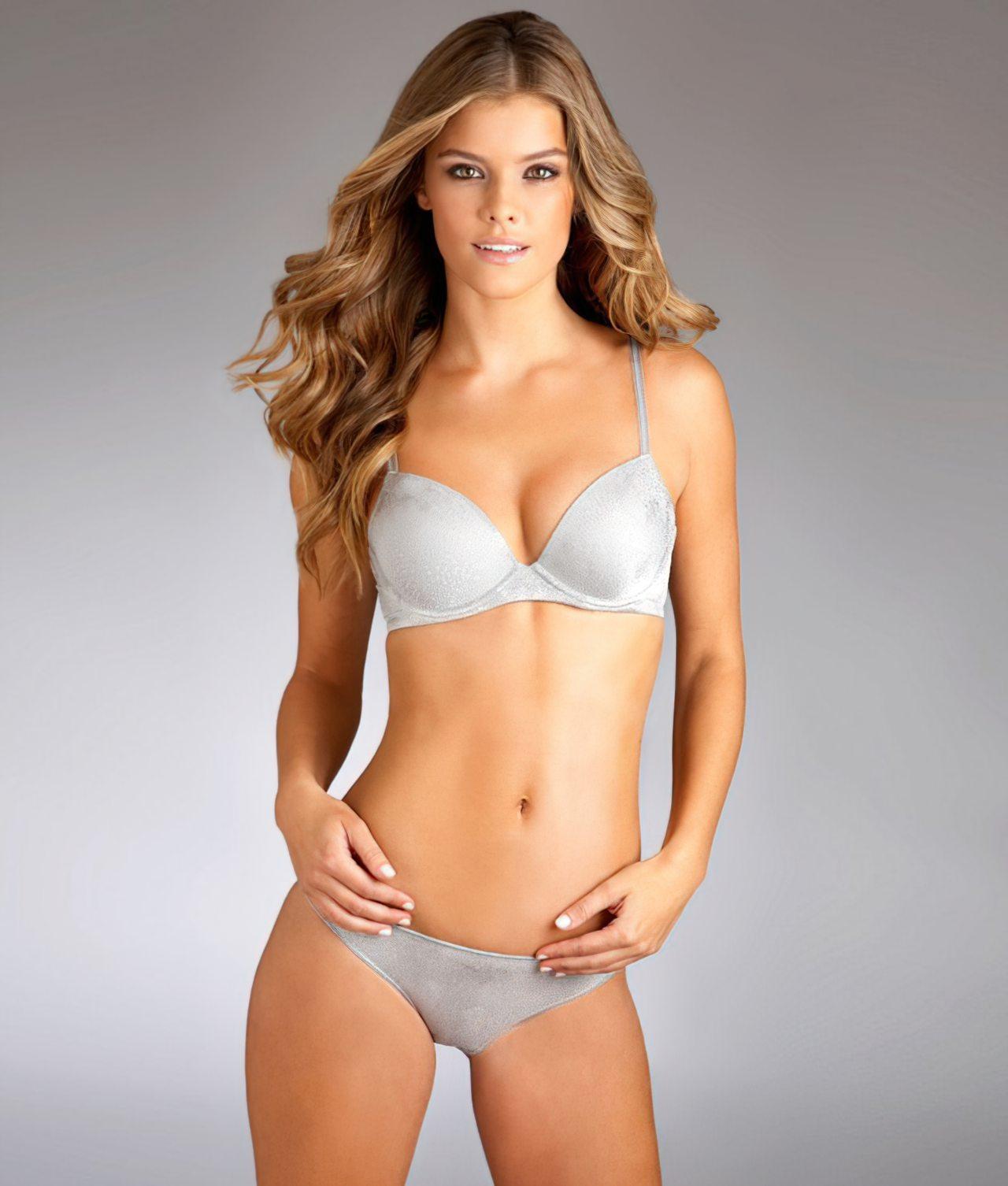 Nina Agdal (48)