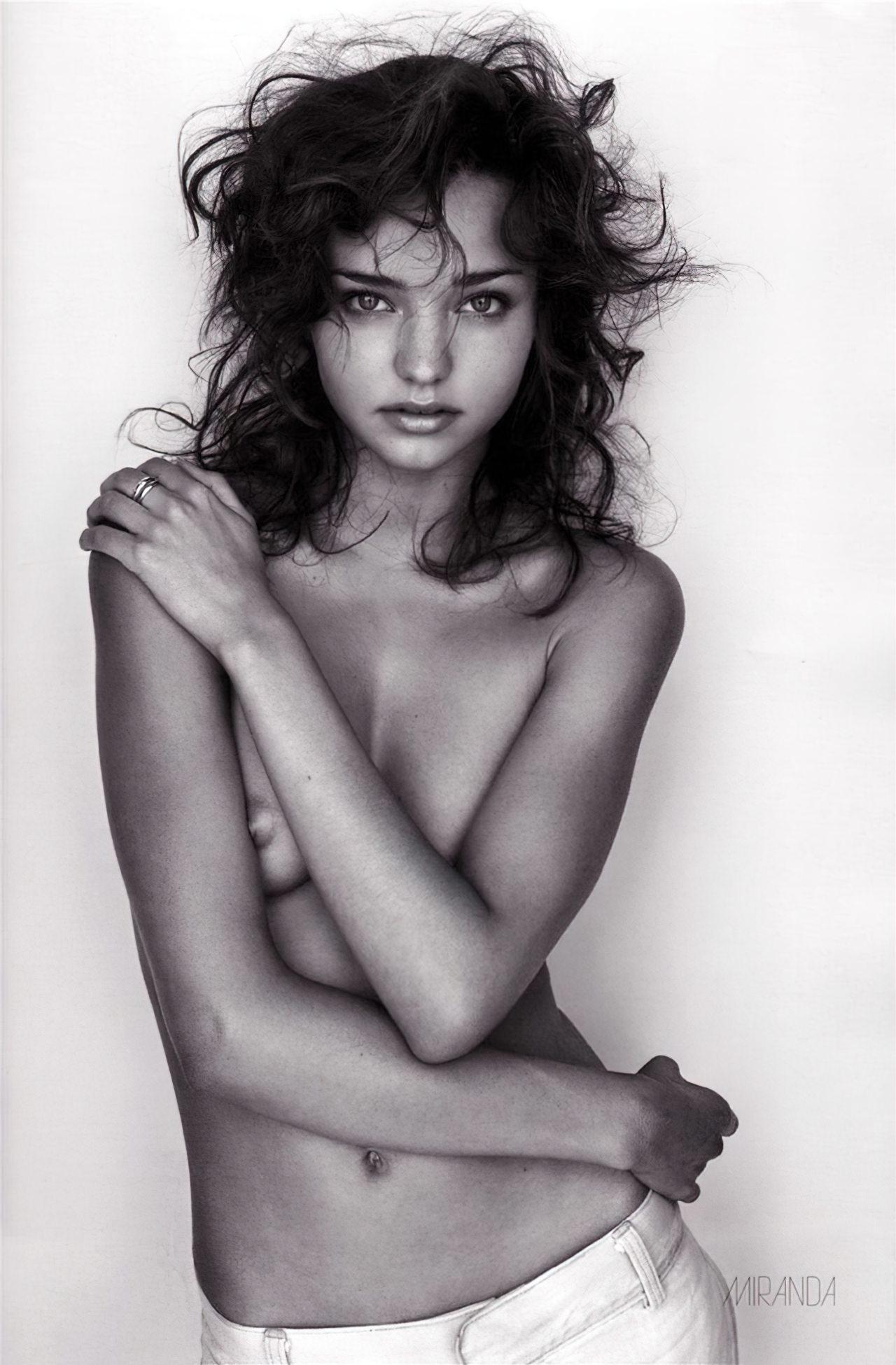 Miranda Kerr (35)
