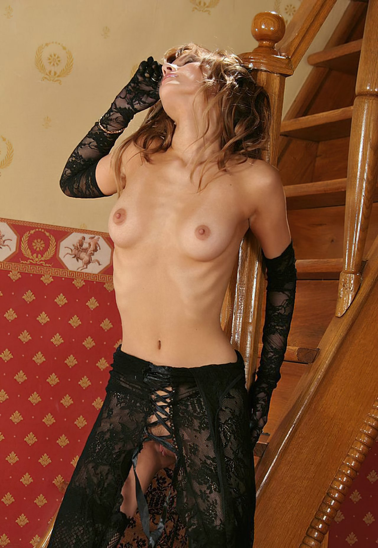 Nicole Sensual (43)