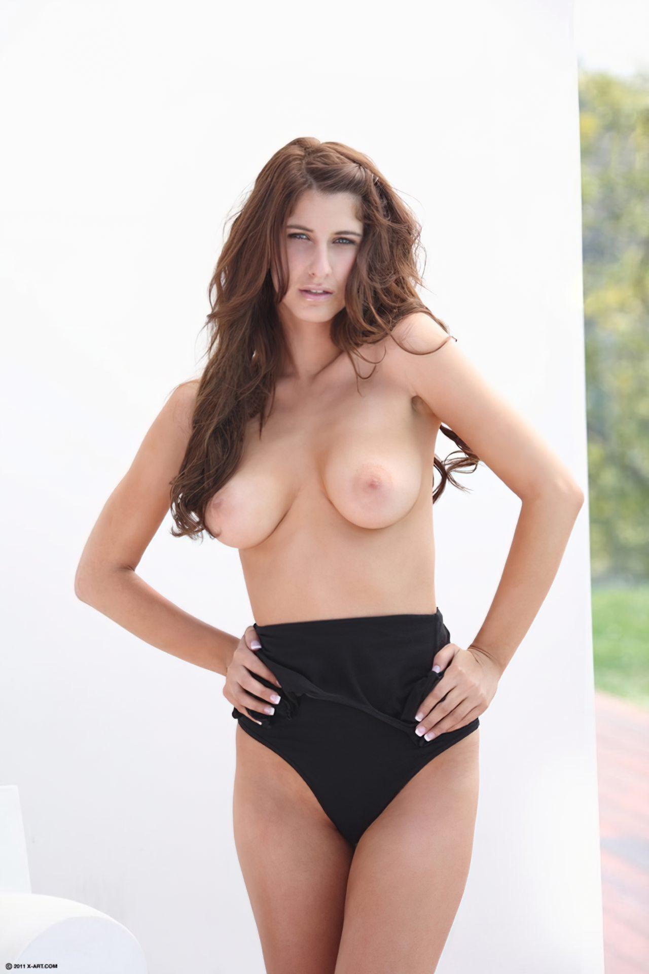 Karina White (2)