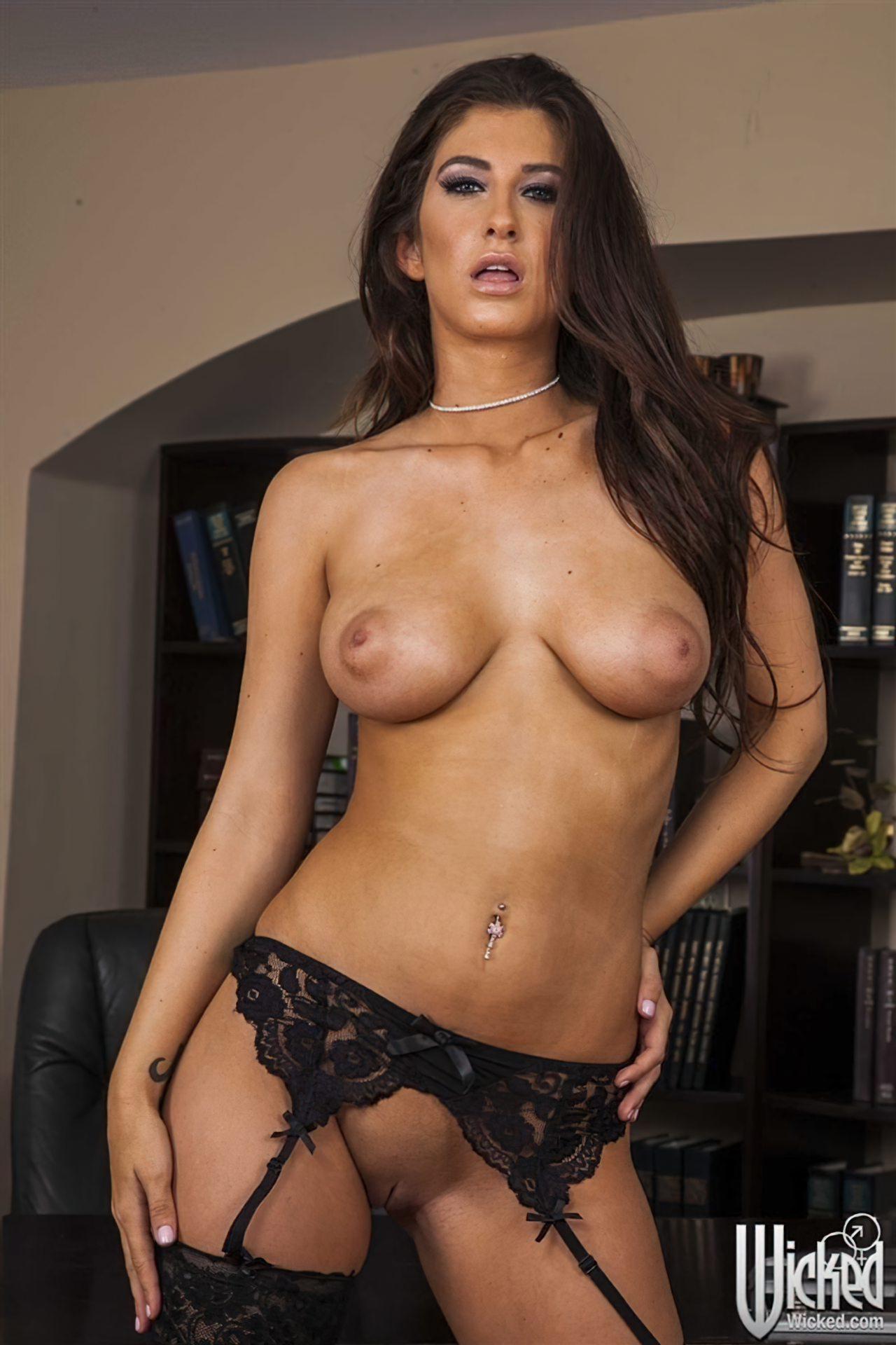 Karina White (4)