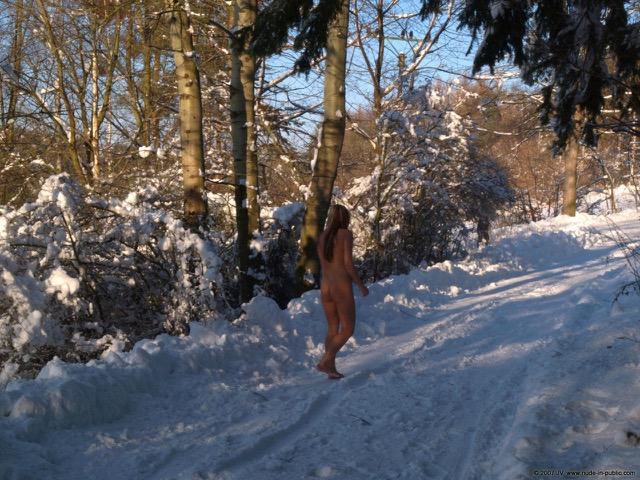 Loira Nua Neve (24)