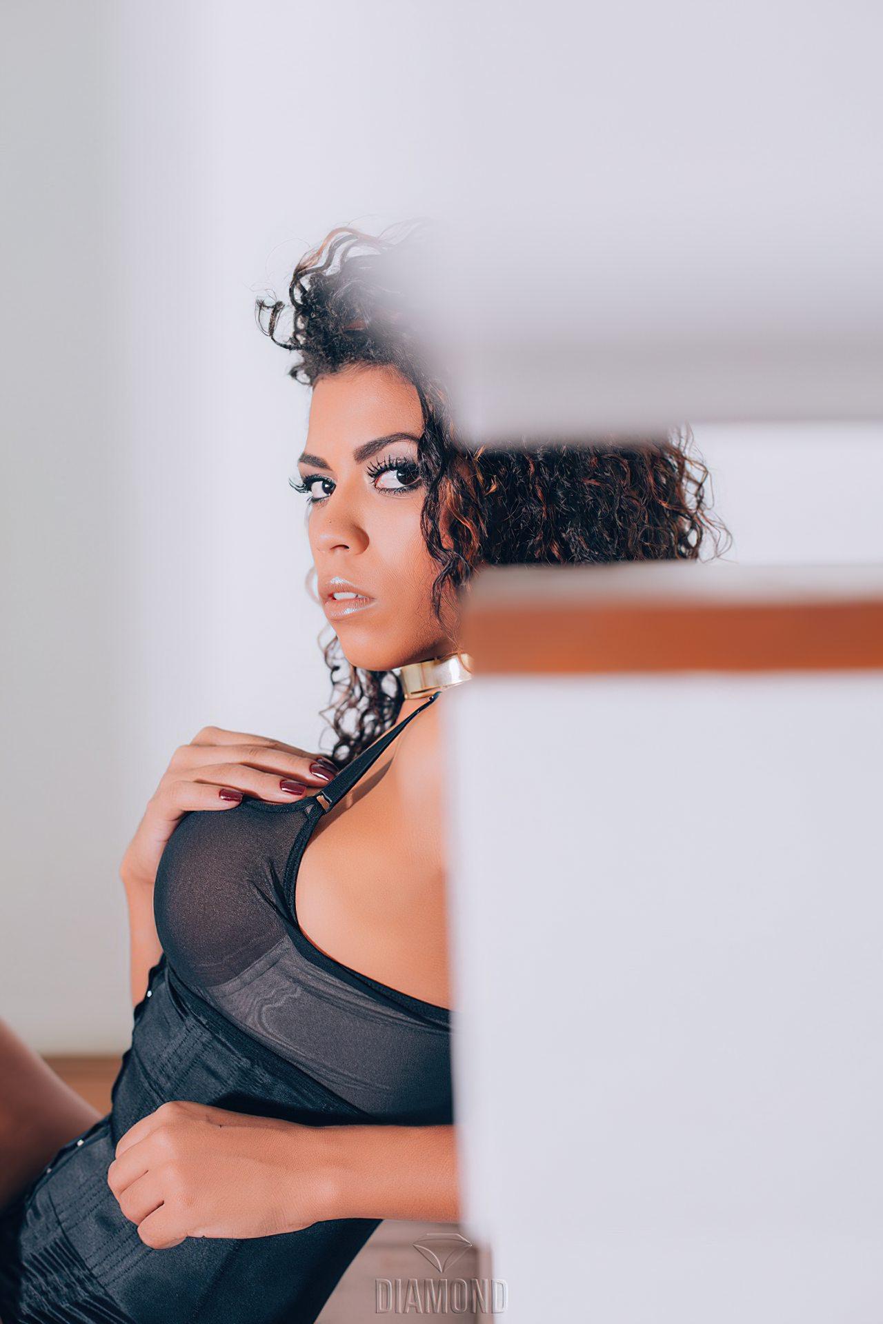 Ana Valquiria Nua (7)