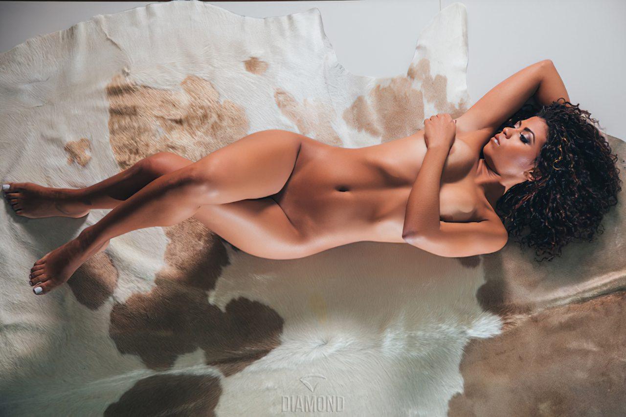 Ana Valquiria Nua (8)
