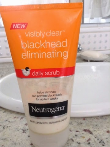 Blackhead Eliminating Daily Scrub Neutrogena esfoliante diário