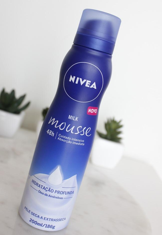 Hidratante Mousse Nivea Milk Mousse - resenha -  pele seca a extrasseca