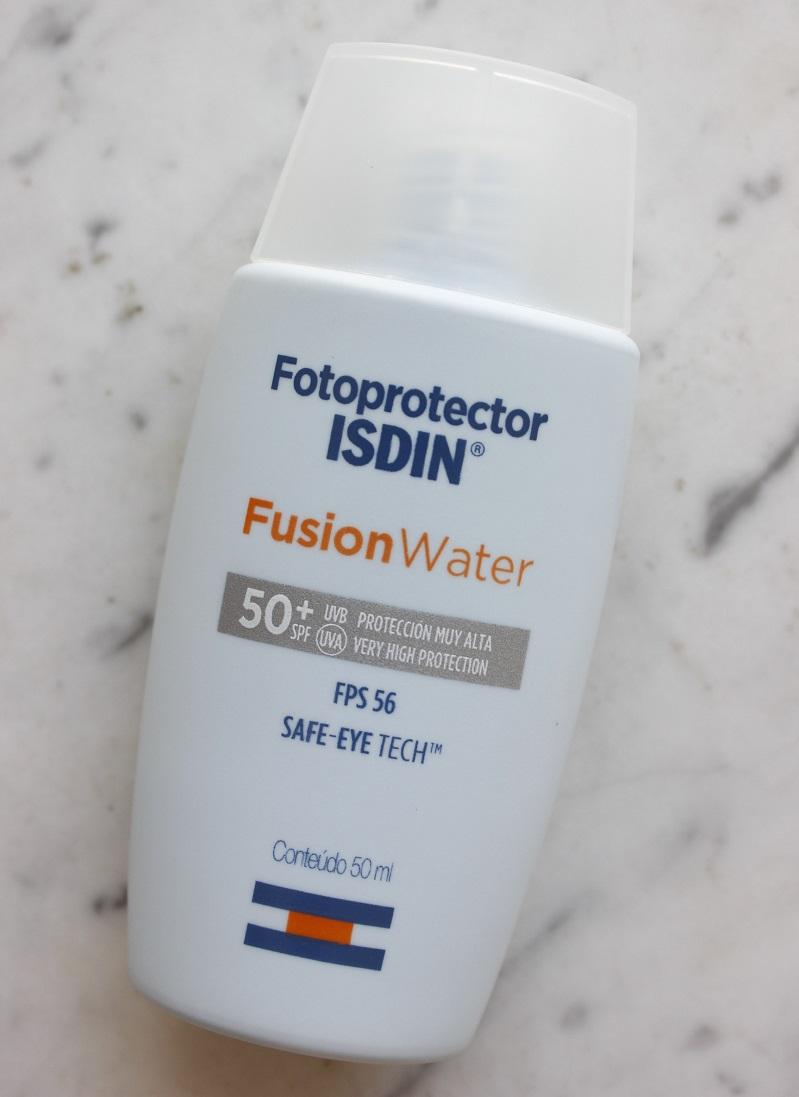 Isdin Fusion Water Oil Control resenha protetor solar para pele oleosa