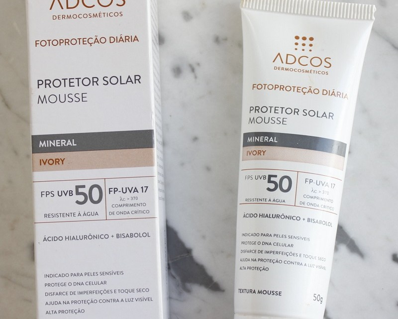 Protetor Solar Mousse Mineral Adcos FPS50 resenha cor Ivory