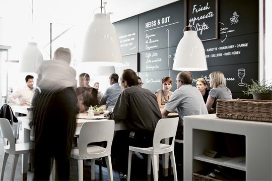 moodely_brand_identity_coffee_kitchen_corporate_design_fuiz_lugitsch_70