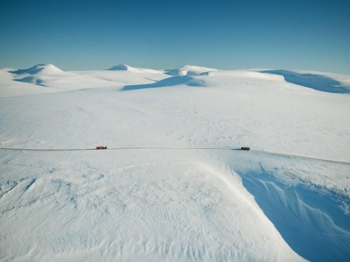 Uma estrada no gelo, Chukotka Peninsula, Russia