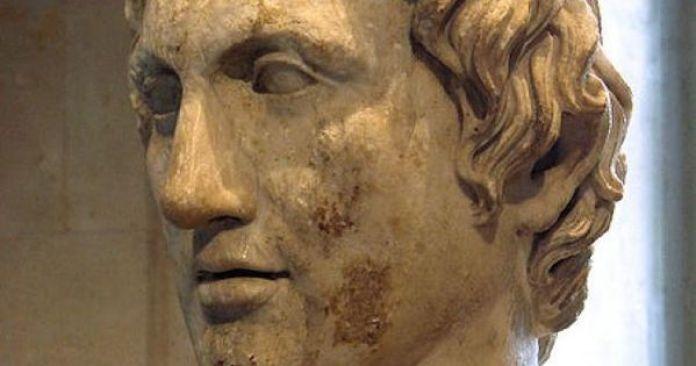 Detalhe da escultura de Alexandre, o Grande.