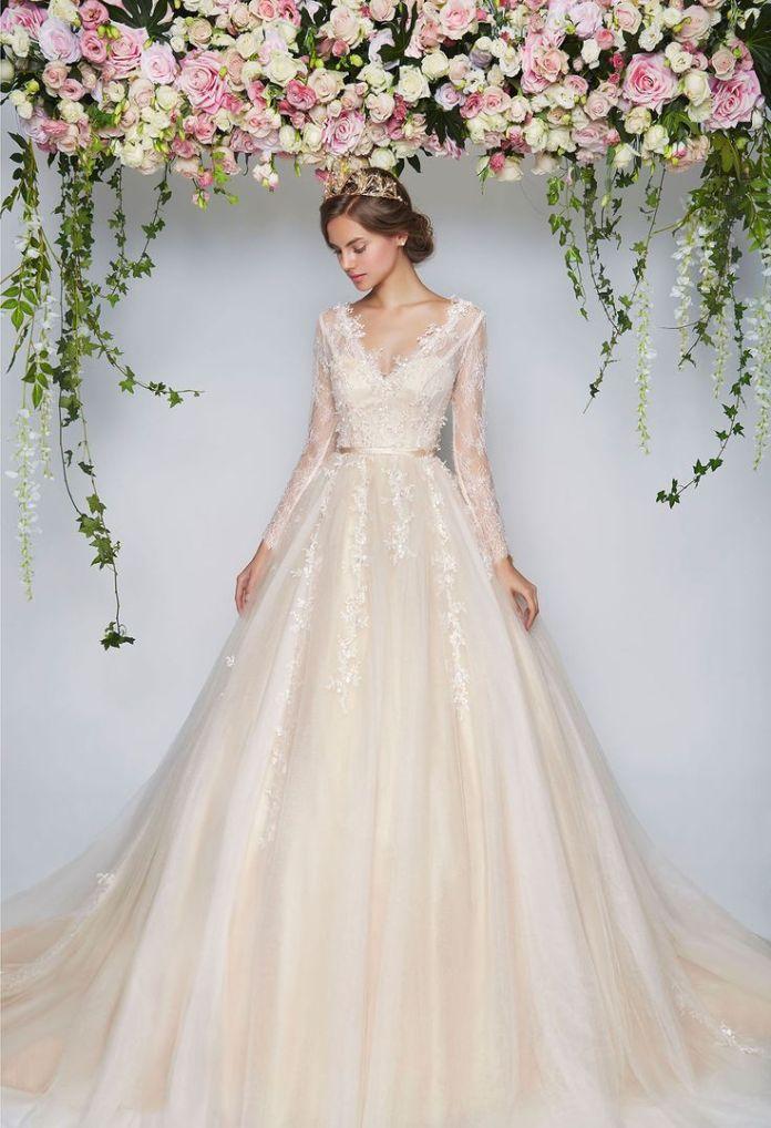 3dda16f375768f91b4901e1f3a453314--wedding-gown-rental-floral-wedding-dresses