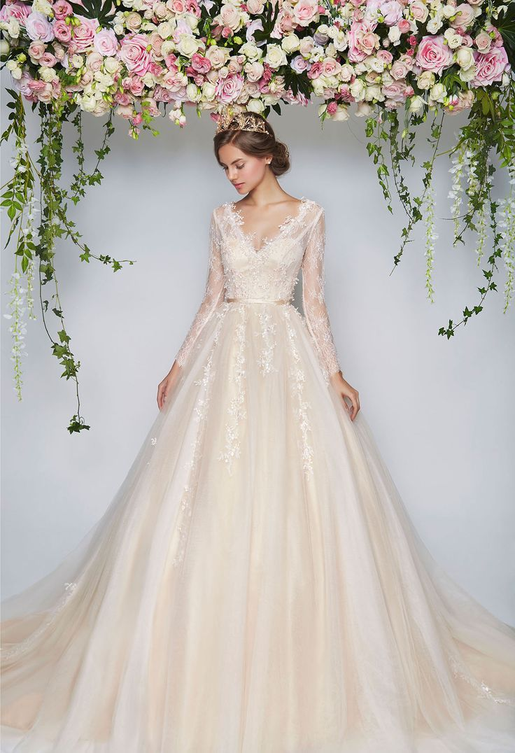 3dda16f375768f91b4901e1f3a453314--wedding-gown-rental-floral-wedding-dresses