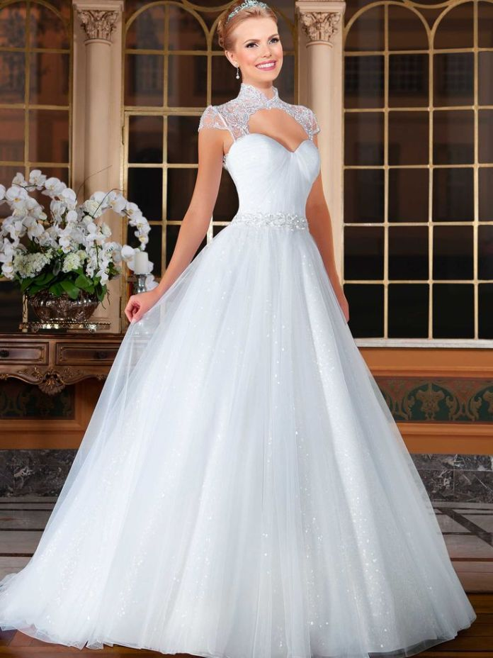 7d6e61155a6900b920facefeaf3f39c7--beautiful-wedding-dress-bride-dresses