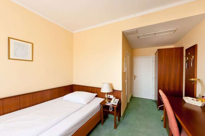 hotel-johann-strauss-single-room
