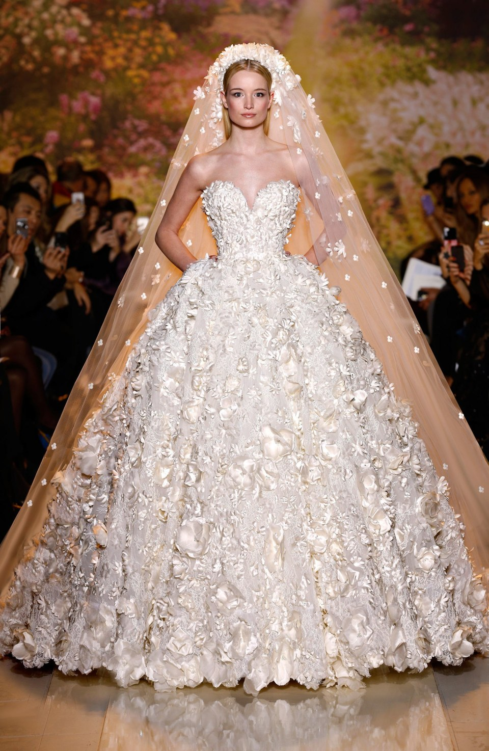 weddings-2014-07-46-best-new-wedding-dresses-bridal-market-main