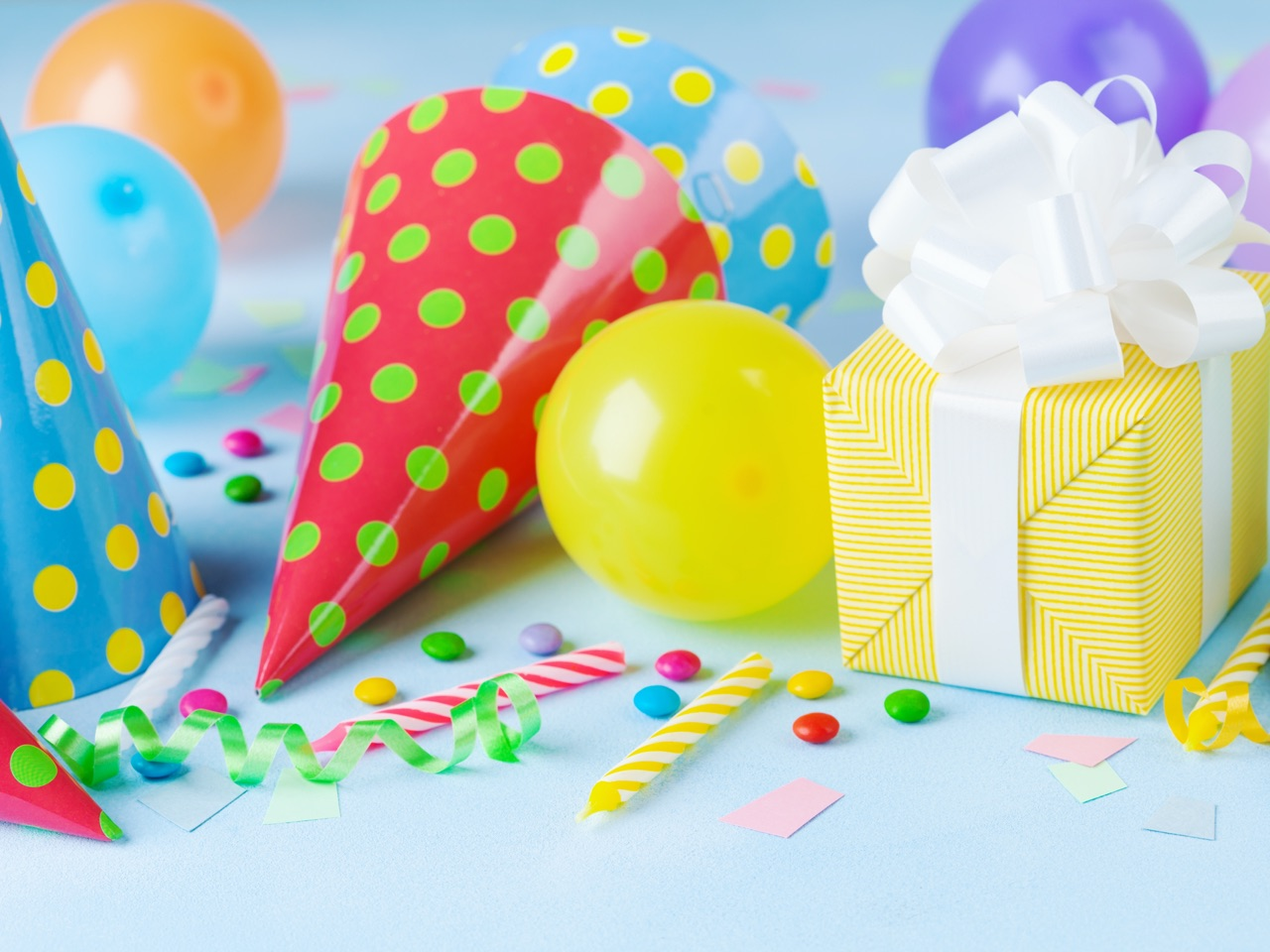gifts, party supplies, balloons, confetti