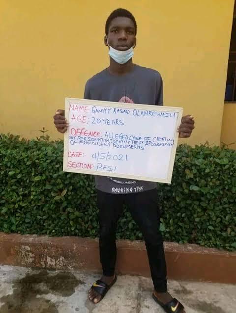 Nigerian Students Arrested For Internet Fraud
