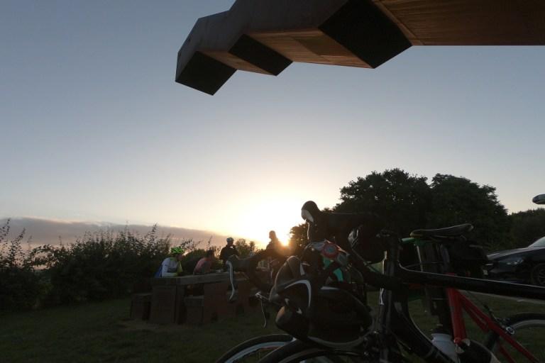 Op zoek naar de zon – de Multisporter kortste nacht rit