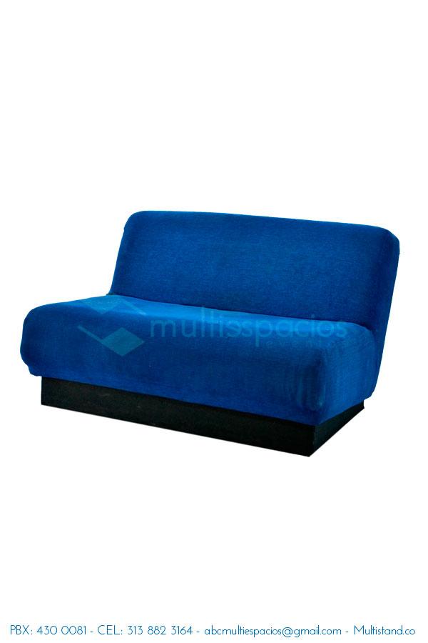 Alquiler de sofá azul en Bogotá, salas lounge en alquiler