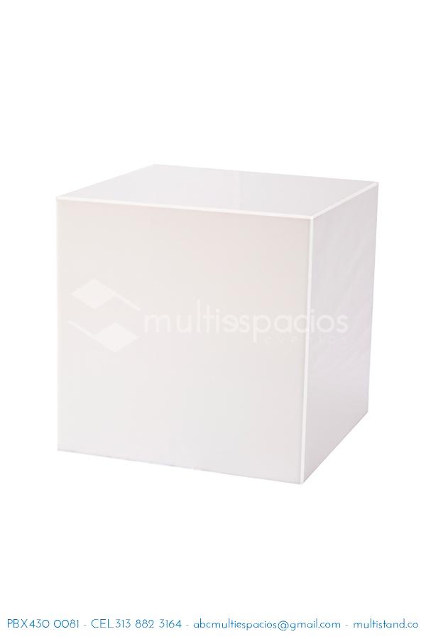 Alquiler de cubo en acrilico, cubos, pedestales