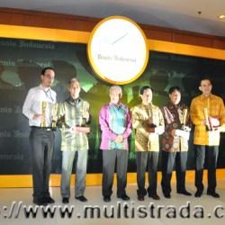 4-BI-Award-12-7-2012