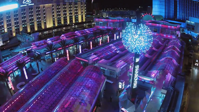 World S First Swarovski Starburst Light Show Spectacular