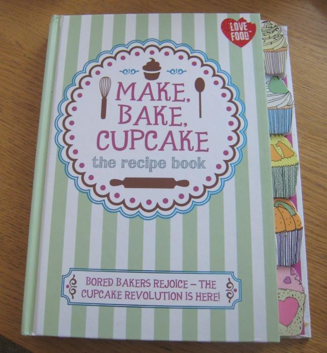 Make, Bake, Cupcake from Parragon Books