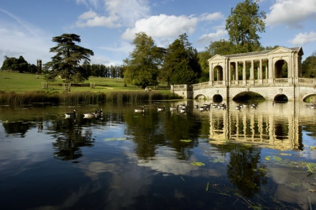 Visitors at Stowe Landscape Gardens, Buckinghamshire. ©National Trust Images John Millar