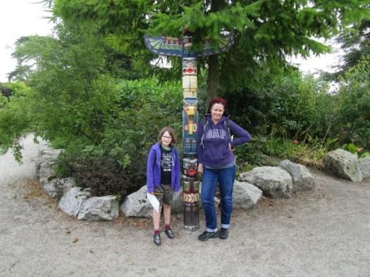 Lullingstone Castle World Garden totem pole