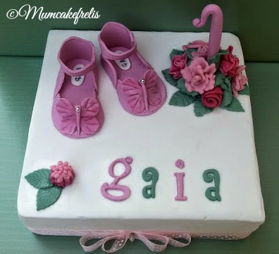 Scarpine bimba in pasta di zucchero, first birthday baby shoes cake topper, Fondant Baby Shoes, handmade baby booties cake topper