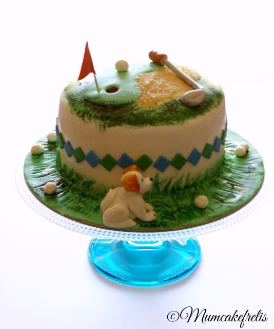A golf themed cake is perfect for any golf loving