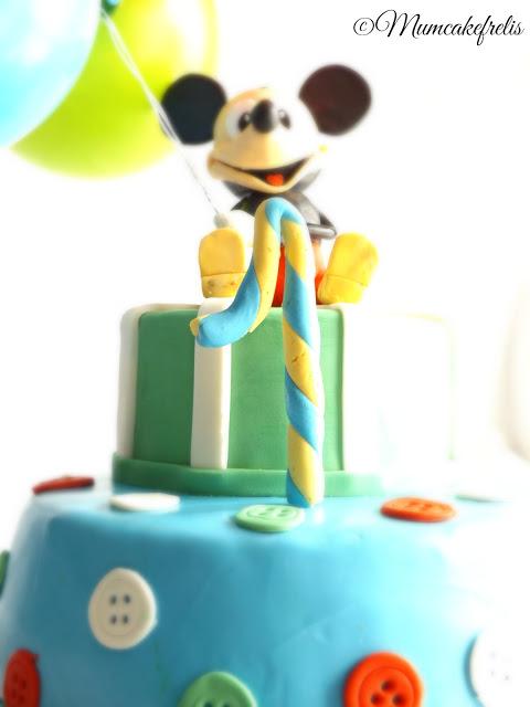 Torta Topolino in pasta di zucchero pdz con palloncini 1st Birthday Mickey Mouse Cake Ideas & Inspirations