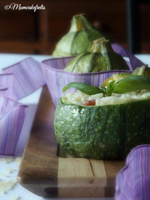 Ricetta per le zucchine ripiene con riso, cipolla di Tropea e pancetta, Preparazione delle zucchine ripiene di riso
